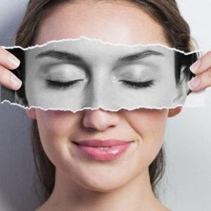 Хидратираща и антибръчки терапия за очи с витамини А, Е, С и ретинол