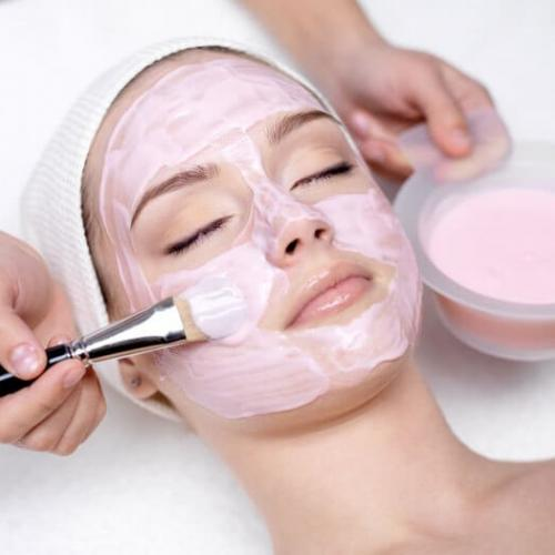 Курс Професионални козметични терапии за лице, шия и деколте