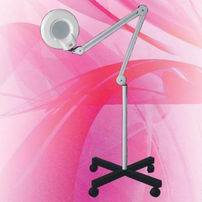 Лампа лупа със статив на колелца